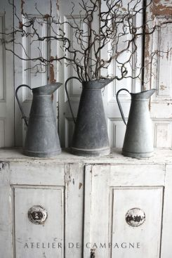 grey-pitchers